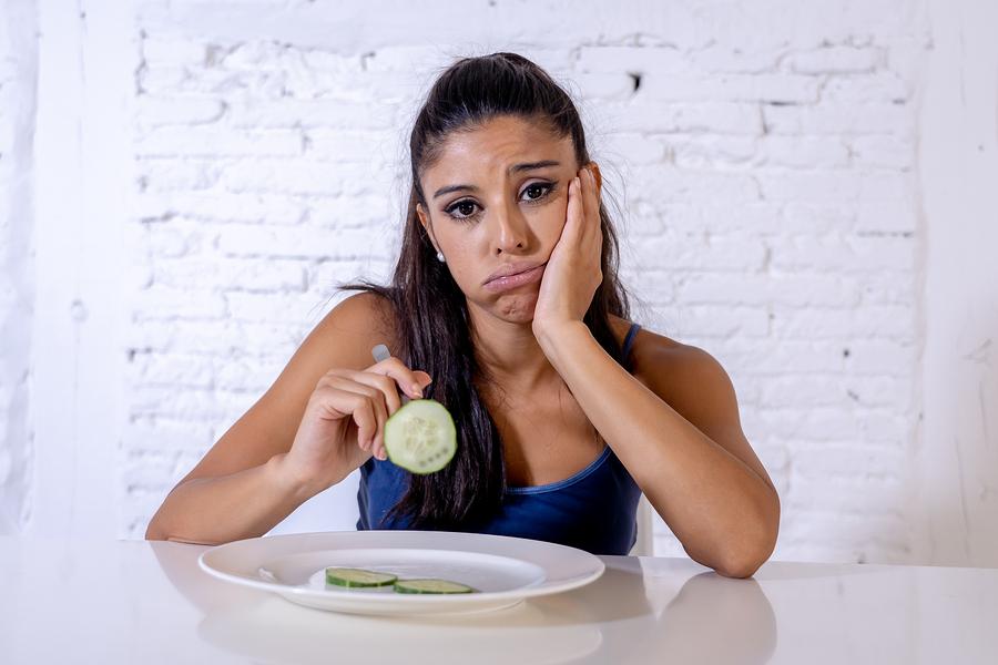 Haarausfall durch Diät – Mangel an Vitaminen und Mineralstoffen