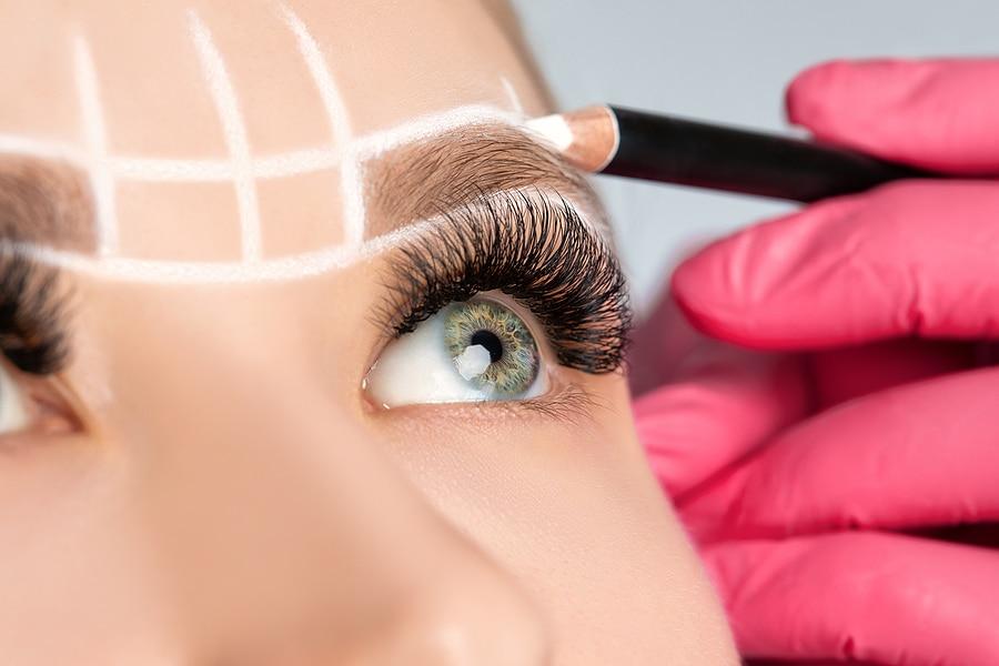 Ursachen für Augenbrauenausfall